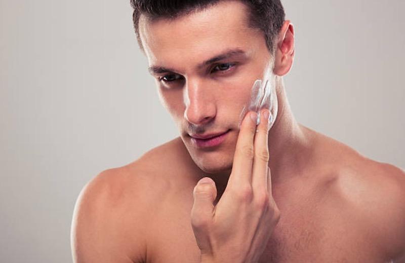 Cosmética masculina, menos es más.